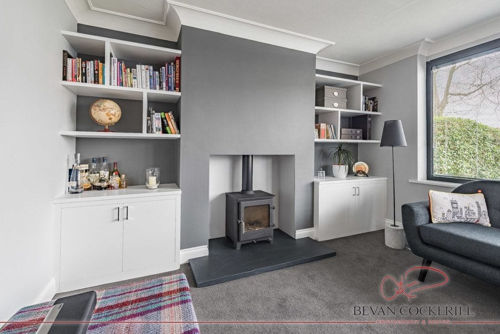 Tom-Maxwell-Furniture-White-Alcove-Fitted-Bookshelf-by-Bevan-Cockerill-3-1024x684.jpg